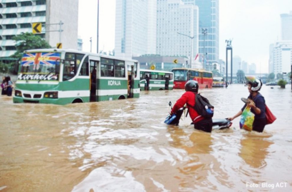 Banjir, Masihkah Menyalahkan Alam? - https://mukjizat.co ...