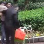 (Video) Dua Pemuda Muslim Ini Bikin Kagum Warga Cina, Layak Menjadi Duta Islam