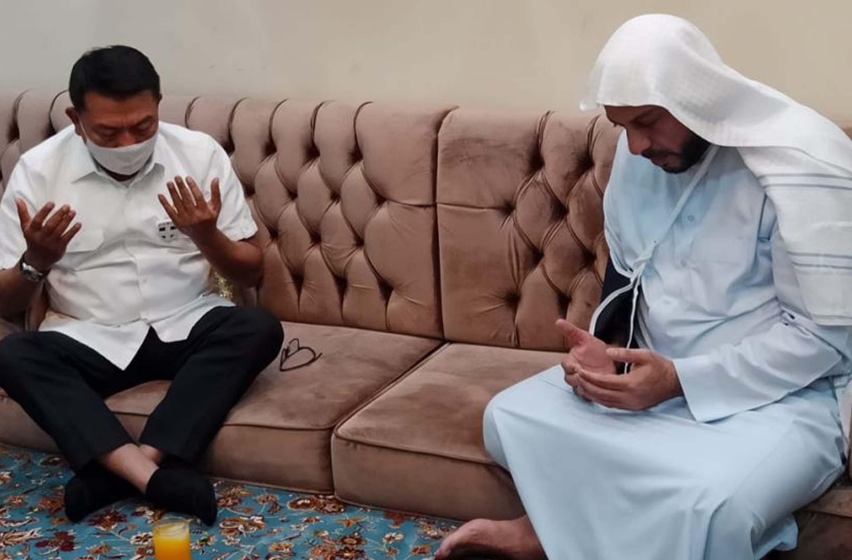 Syaikh Ali Jaber meminta umat Islam tidak melakukan reaksi yang berlebihan